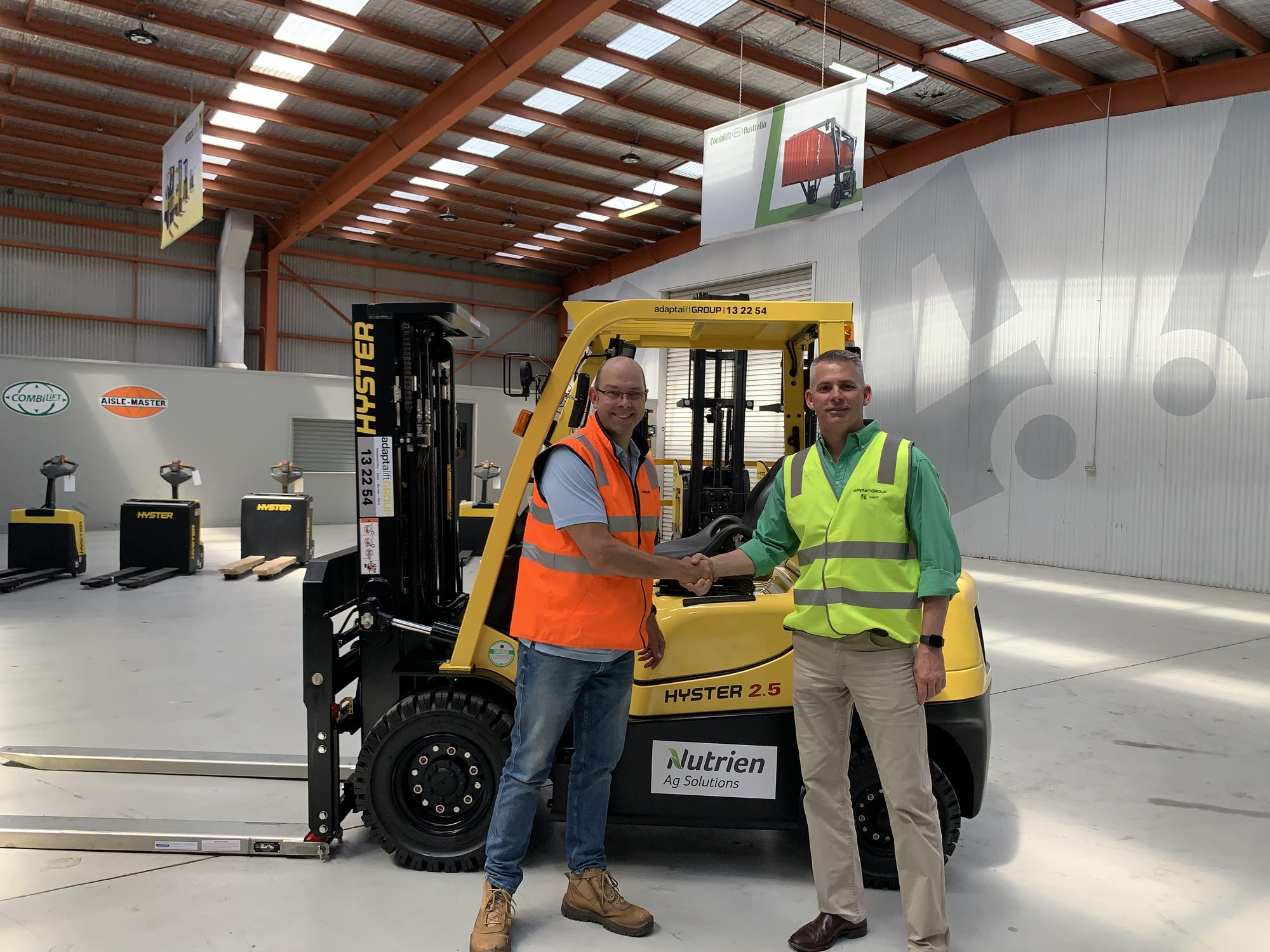 Nutrien Ag Solutions Managing Director Rob Clayton and CEO of Adaptalift Steven Taylor